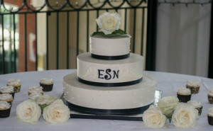 50th anniversary wedding cake